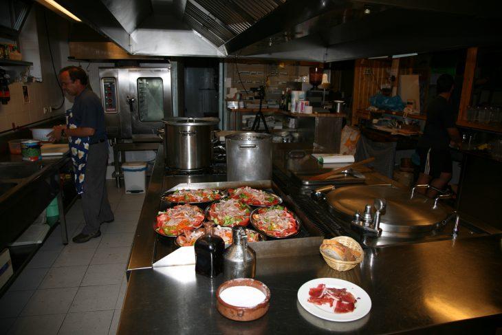 Los guardas de refugio: más que cocineros