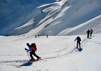 Actuar con prudencia en esquí de montaña