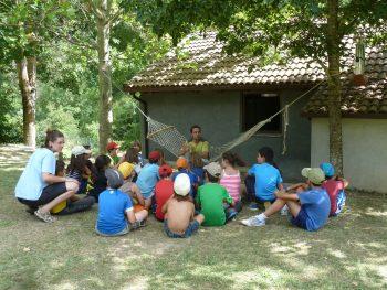 Divertir y educar en un campamento de montaña