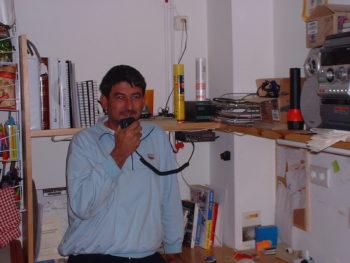 Radio y teléfono en los refugios