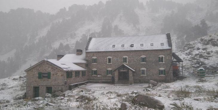 9 de septiembre de 2017. Refugio de La Renclusa nevado.